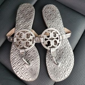 Tory Burch Marion Quilted Silver Miller Sandal 10M